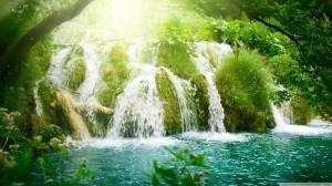 beautiful_waterfalls-wallpaper-1366x768
